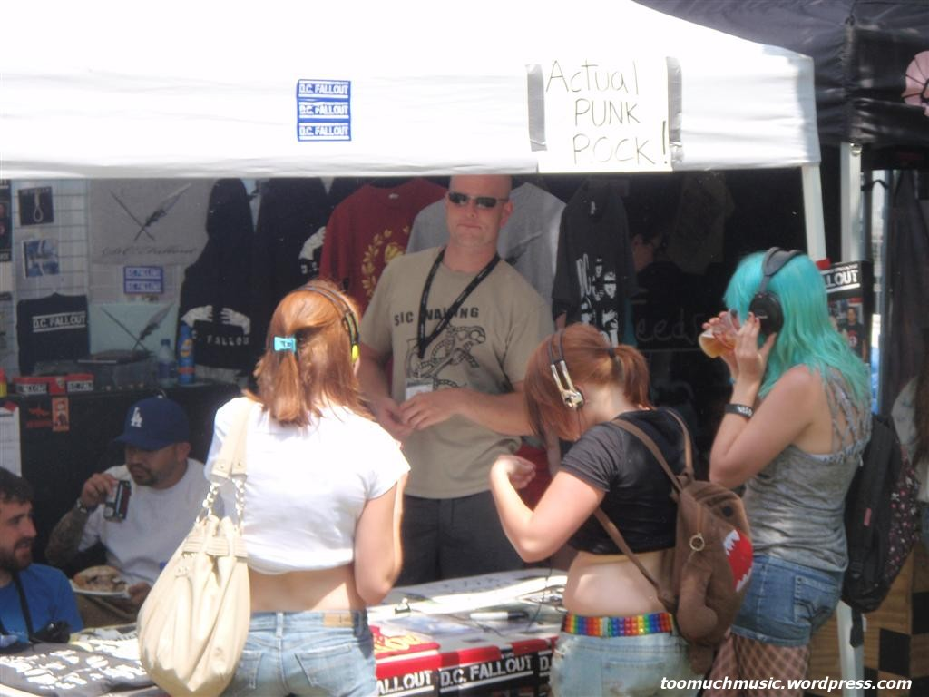 Warped Tour Montreal 2011 (Two thousand and one, and one ...