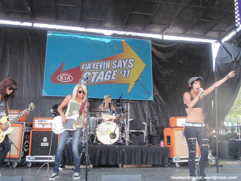 sick of sarah warped tour montreal july 16 2011 spreading BBW pussy with